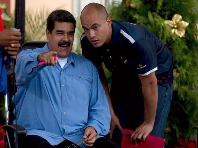 Maduro und ein anderer Mann.