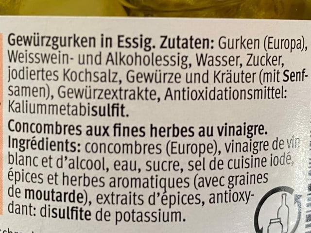Das Zutatenettiket auf dem Gurkenglas