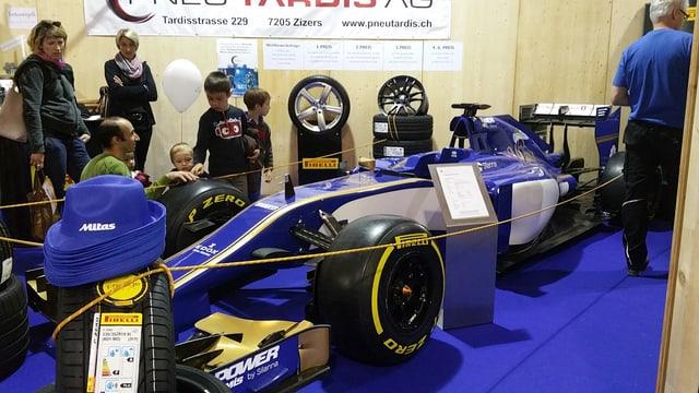 La fatschenta Pneu Tardis ha exponì l'auto actual da furmla 1 dal team da Sauber.