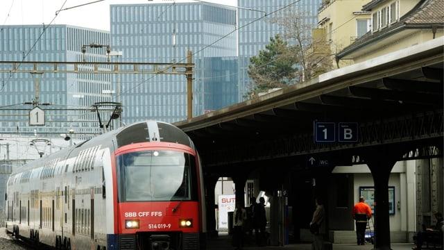 Bahnhof Oerlikon und Bürogebäude