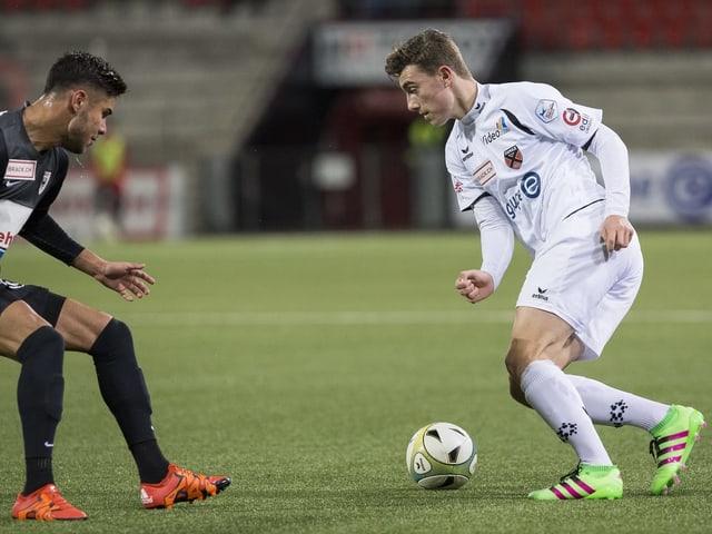 Erinnerungen an Neuchâtel-Xamax werden bei Cedric Zesiger am Sonntag hochkommen. Vielleicht eine wie diese im Spiel gegen FC Aarau vom 22. Februar 2013.