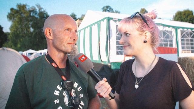 Tina Nägeli und Zeltplatz-Chef Dirk Stolp.