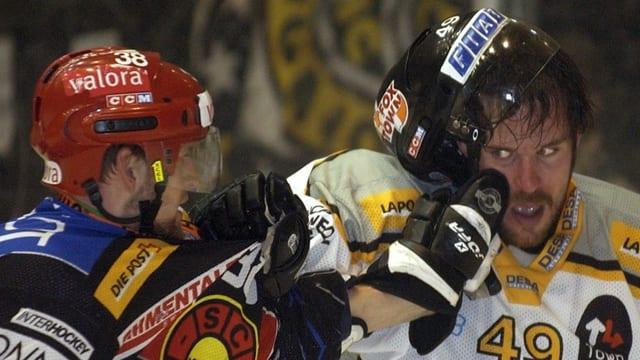 Zwei Eishockeyspieler