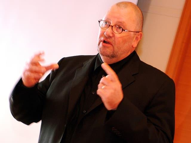 Dieter Behring im Portrait