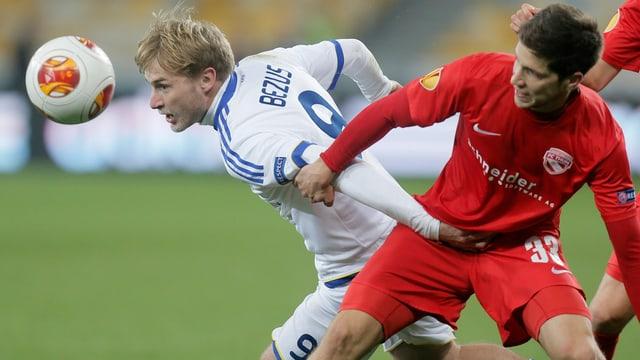 Der FC Thun (hier links mit Benjamin Lüthi) steigt optimistisch ins zweite Duell mit Kiew.