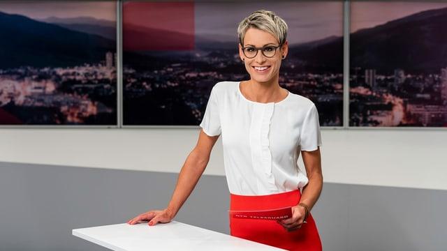 Moderatura da l'emissiun Telesguard: Corina Schmed