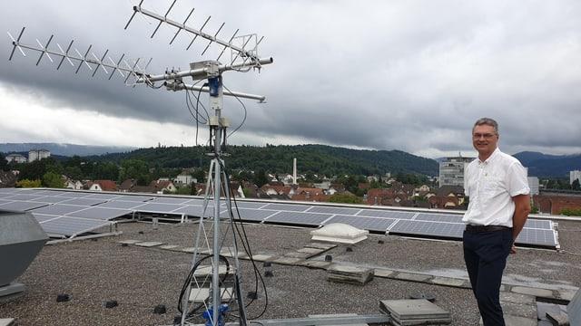 Antenne auf dem Dach der Fachhochschule Nordwestschweiz