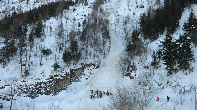 Rettungsarbeiten nach einem Lawinenniedergang am Stanserhorn.