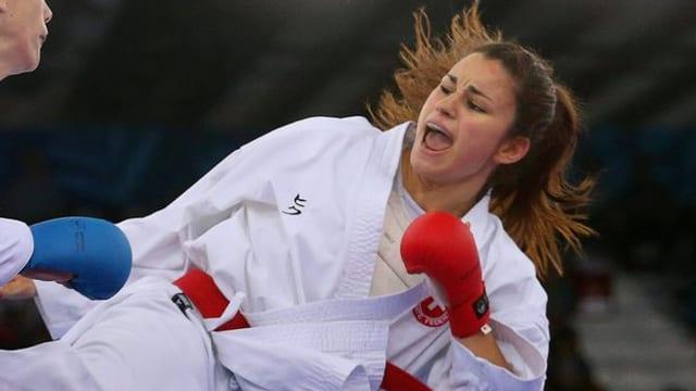 Quiric im Kampf gegen Marina Kakovic an der Europameisterschaft 2015, als die Schweizerin Vize-Europameisterin wurde.