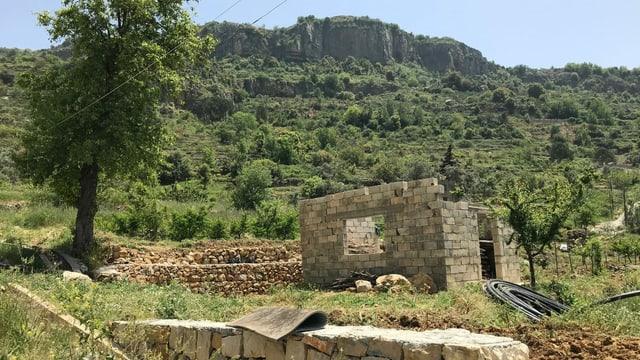 Im Dorf, in dem das Haus seines Vaters zerstört wurde, will Eli Hassoun nun wieder bauen.