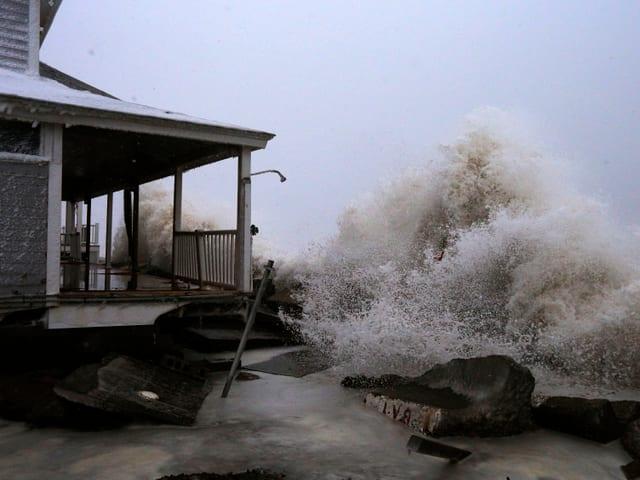 Welle an einem Haus in Marshfield, Massachusetts