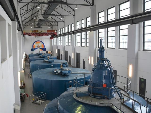 Der Strom für die Wasserstoffproduktion wird im Flusskraftwerk Niedergösgen hergestellt. So produziert die Anlage grünen, CO2-freien Wasserstoff.