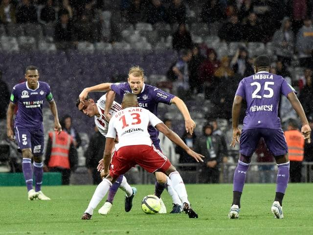 Spielszene bei Toulouse - AC Ajaccio