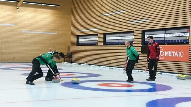 Ina partida da curling