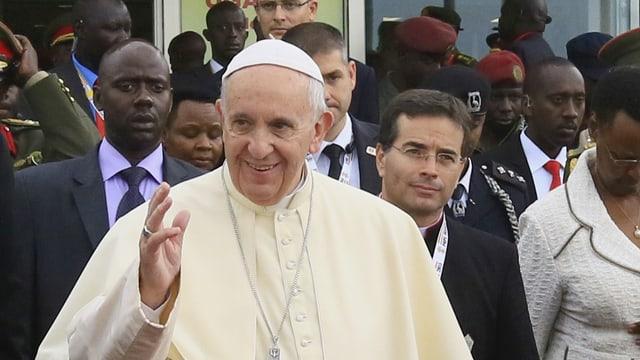 Papa Francestg è arrivà en la Republica Centralafricana.