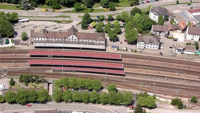 Luftbild vom Bahnhof.