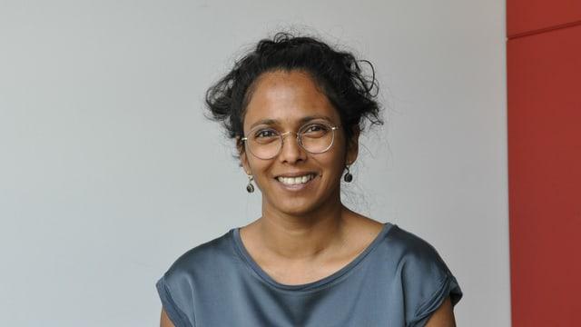 Promotura da cultura e commembra da la Lia rumantscha - Gianna Olinda Cadonau è creschida si a Scuol e naschida en l'India.