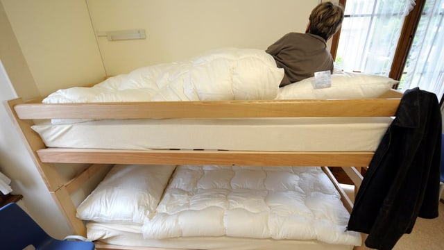 Frau in einem Bett