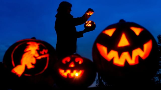 Halloween (Artitgel cuntegn video)