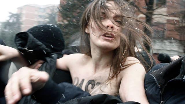Video «Femen – Mit Leib und Seele» abspielen
