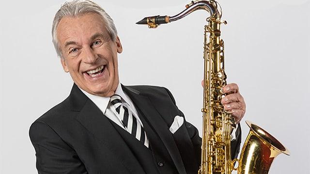 Ein Musiker mit Saxophon.