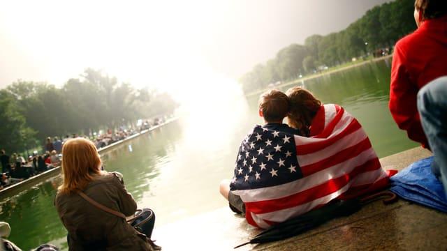 Kinder mit USA Flagge