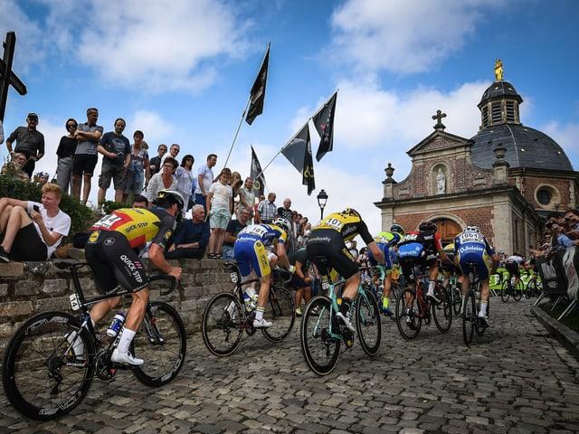 Die Kapelmuur von Geraardsbergen ist der erste Bergpreis der Tour de France 2019.
