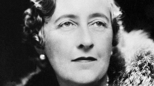 Das Bild zeigt eine Nahaufnahme von Agatha Christie