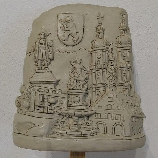 Modelliermasse der St. Galler Altstadt für eine Weihnachtskugel.