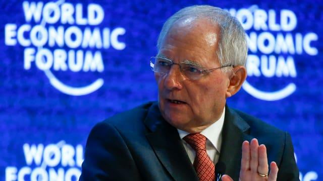Wolfgang Schäuble an der Podiumsdiskussion am WEF.