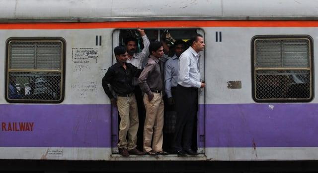 Pendlerzug in Mumbai