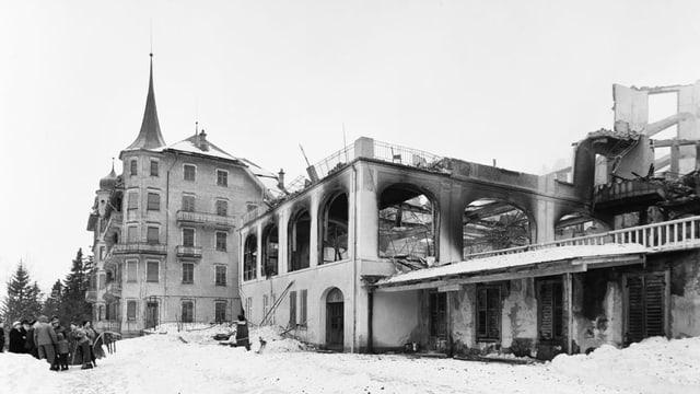 Bild des abgebrannten Hotels