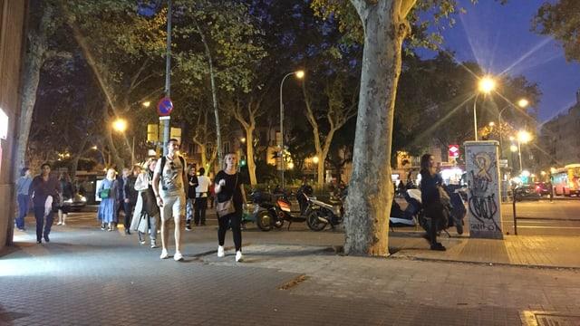 Herausgerissene Pflastersteine an der Plaça d'Urquinaona