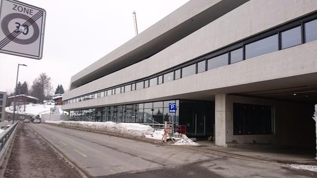Dapi ils 16 da december 2017 è ina part da la chasa da parcar dal Stenna Center puspè averta.