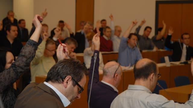 Stadtparlament von Olten während einer Abstimmung.