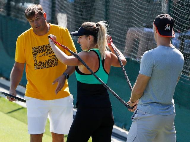 Bencic mit Coach Platenik.
