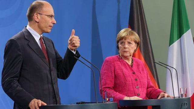 Letta und Merkel an einer Medienkonferenz.