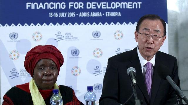 Nkosazana Dlamini-Zuma der Afrikanischen Union und Ban Ki Moon von den Vereinten Nationen.