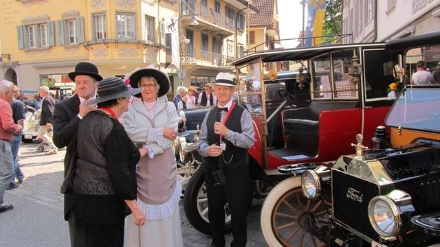 Oldtimer und ihre Besitzer in Sarnen.