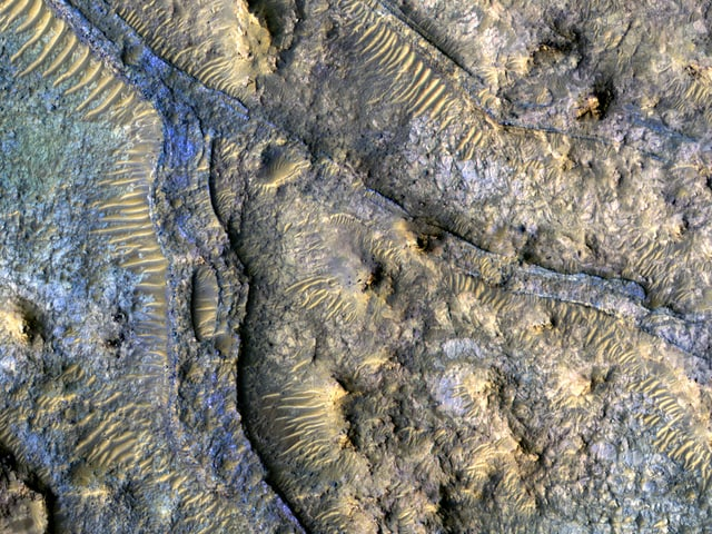Invertierte Kanäle im Kasimov-Krater.