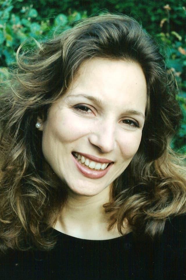 Carole Trousseau-Ballif lächelt in die Kamera