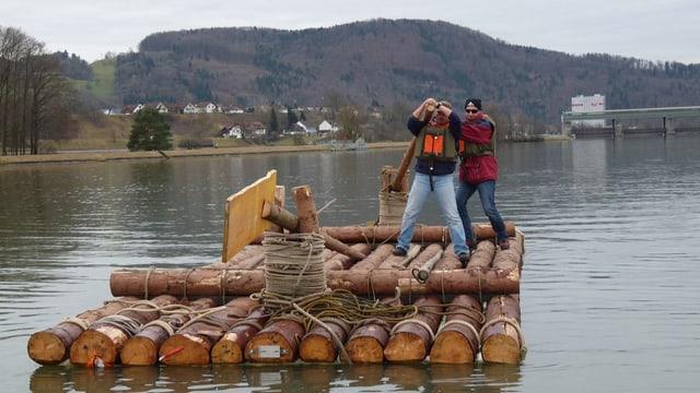 Floss auf dem Rhein
