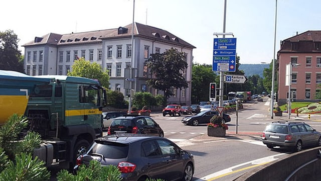 Autos auf Kreuzung