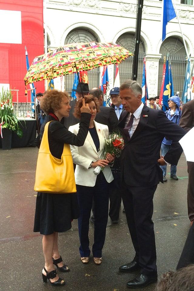 Am 1. August: Zürichs Stadtpräsidenten Corine Mauch und Bundesrat Didier Burkhalter mit Gattin.