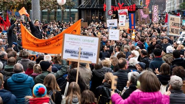 Demonstranten in Biel.