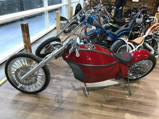 An der Motorrad-Ausstellung Swiss Moto ist ein Custom Bike mit Elektro-Motor ausgestellt.