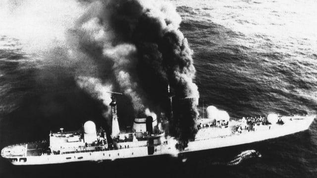 Brennendes Schiff.