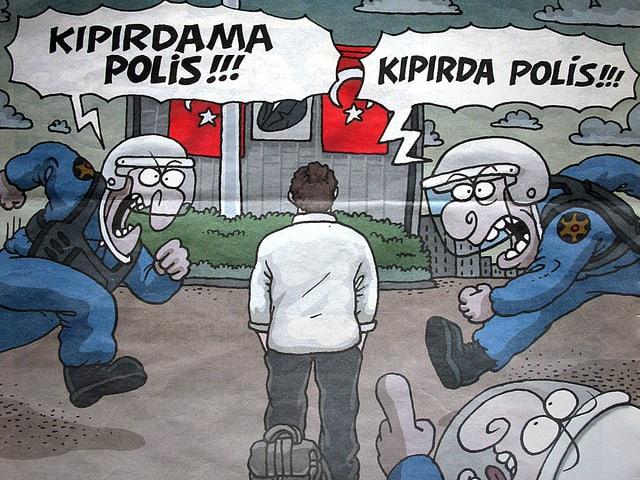 Drei Polizisten rennen auf den «stehenden Mann» auf dem Taksim-Platz zu; einer ruft: «Keine Bewegung, Polizei!», ein anderer «Beweg dich, Polizei!».