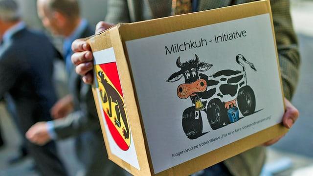 Unterschriften für Milchkuhinitiative