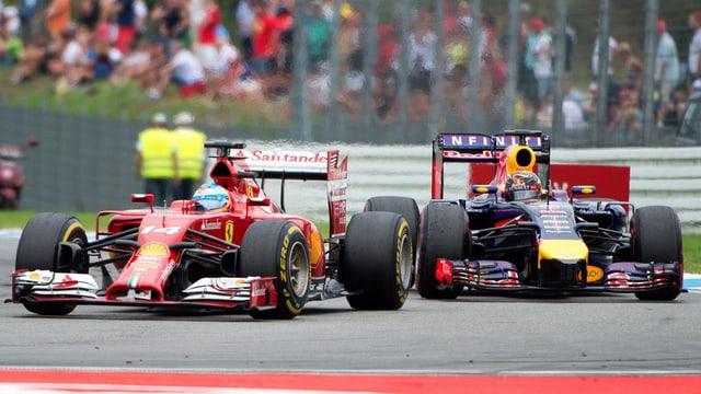 Alonso im Duell mit Sebastian Vettel